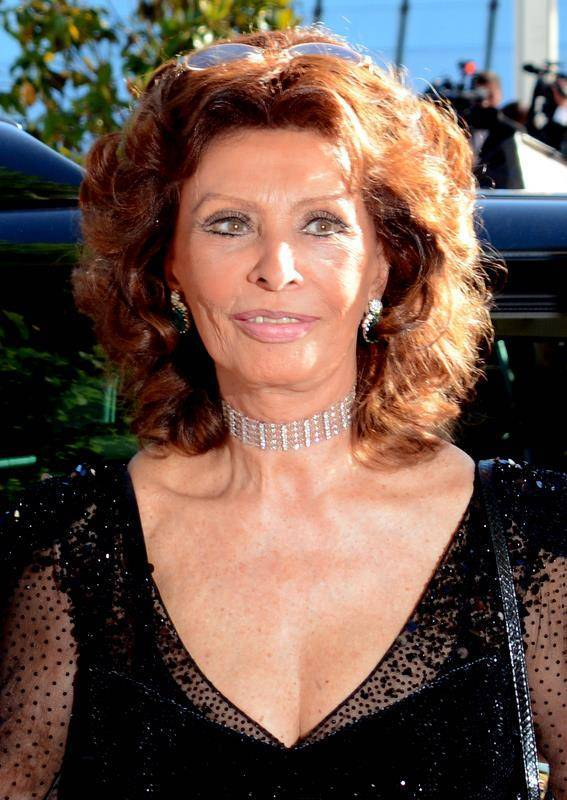 Sophia Loren taille | Georges Biard [CC BY-SA 3.0 (https://creativecommons.org/licenses/by-sa/3.0)], via Wikimedia Commons