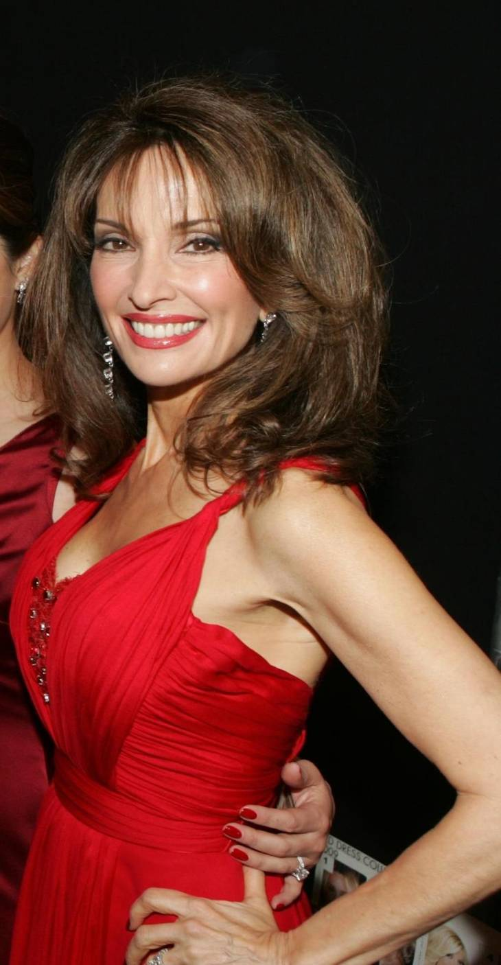 Susan Lucci height | By The Heart Truth [Public domain], via Wikimedia Commons