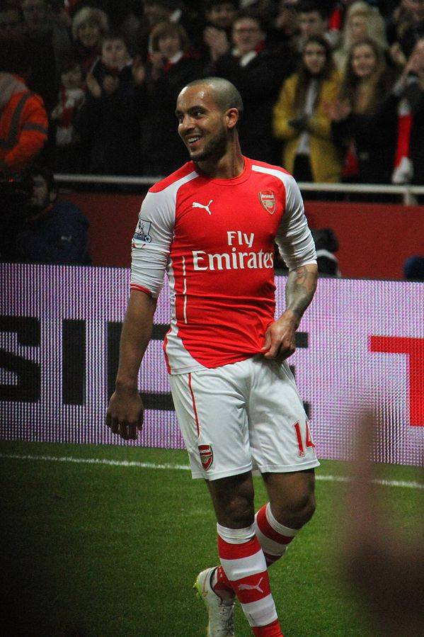 Theo Walcott measurements | By Ronnie Macdonald from Chelmsford and Largs, United Kingdom (Theo Walcott happy with his goal! 2) [CC BY 2.0 (http://creativecommons.org/licenses/by/2.0)], via Wikimedia Commons