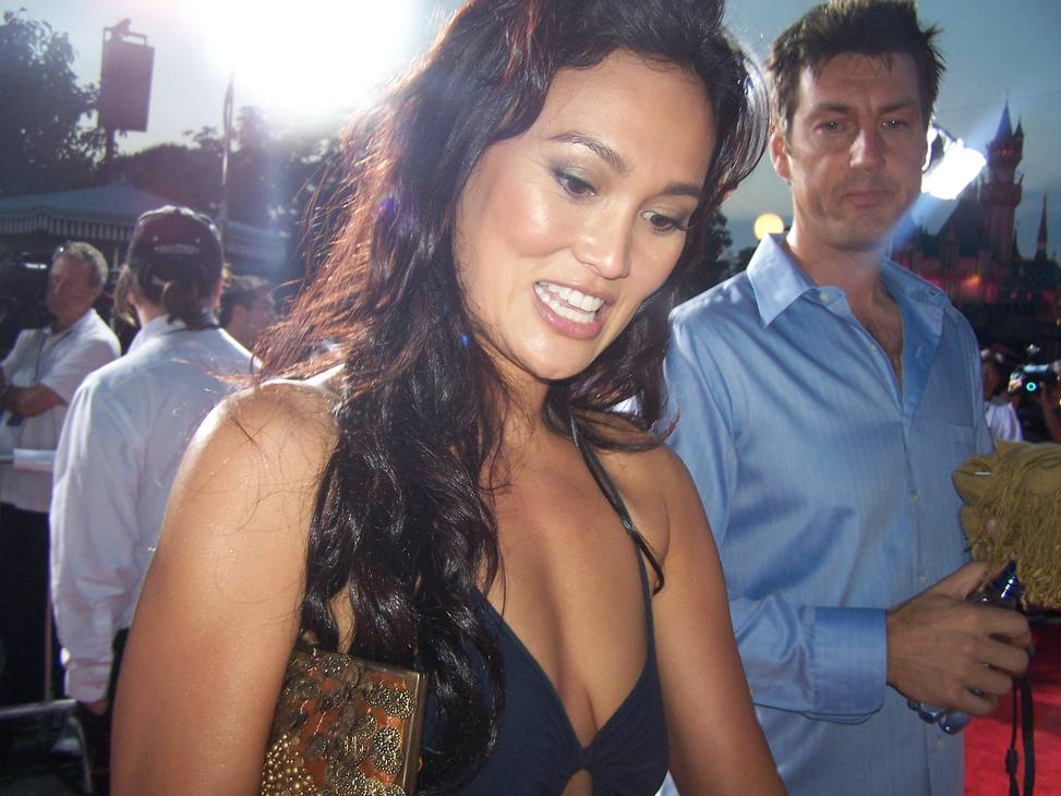 Tia Carrere medidas | By Tabercil (Own work) [CC BY-SA 3.0 (https://creativecommons.org/licenses/by-sa/3.0)], via Wikimedia Commons