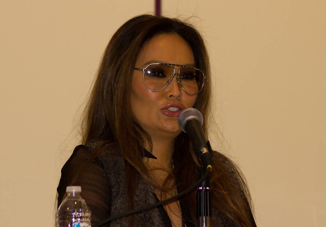 Tia Carrere peso | By Tabercil (Own work) [CC BY-SA 3.0 (https://creativecommons.org/licenses/by-sa/3.0)], via Wikimedia Commons