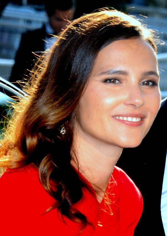 Virginie Ledoyen taille | Georges Biard [CC BY-SA 3.0 (https://creativecommons.org/licenses/by-sa/3.0)], via Wikimedia Commons
