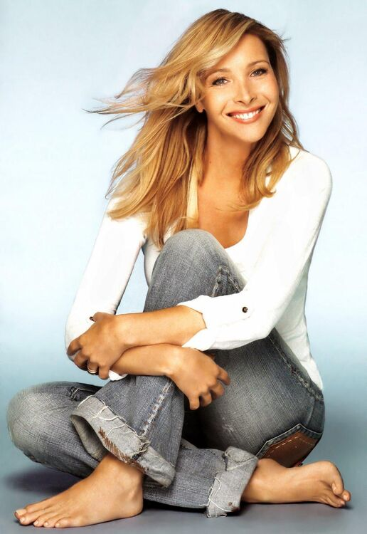 Lisa Kudrow mensurations