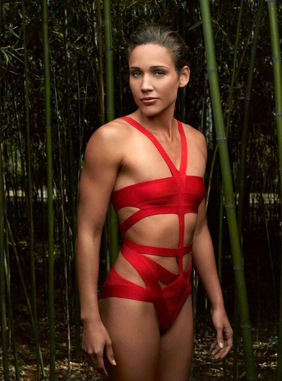 Lolo Jones mensurations