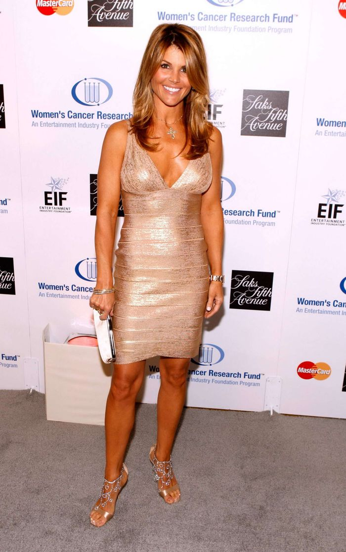 Lori Loughlin mensurations