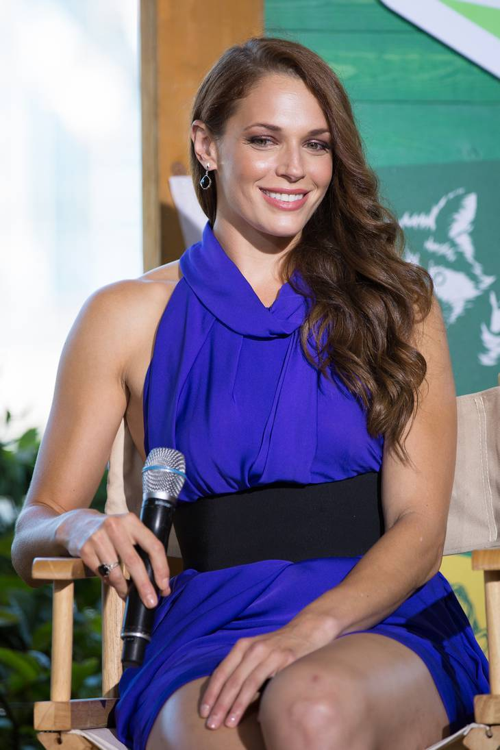 Amanda Righetti measurements | By iDominick [CC BY-SA 2.0 (https://creativecommons.org/licenses/by-sa/2.0)], via Wikimedia Commons