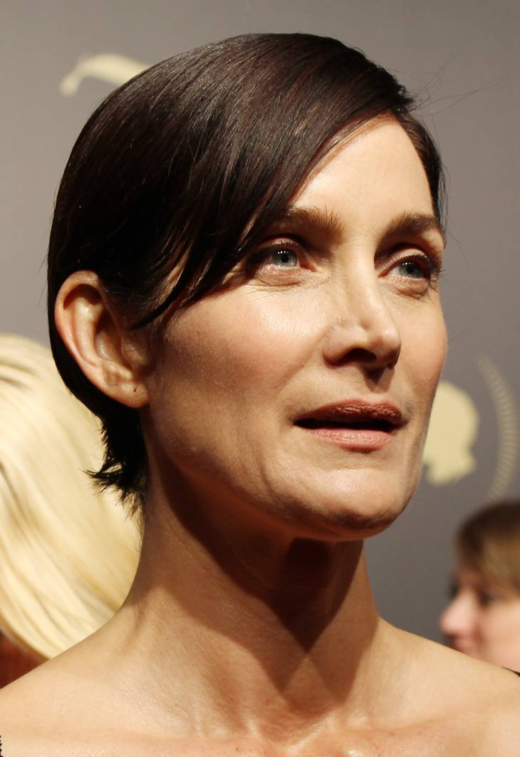 Carrie-Anne Moss | By Peabody Awards (peabody75thawardsceremony_0158_26571519894_o) [CC BY 2.0 (http://creativecommons.org/licenses/by/2.0)], via Wikimedia Commons