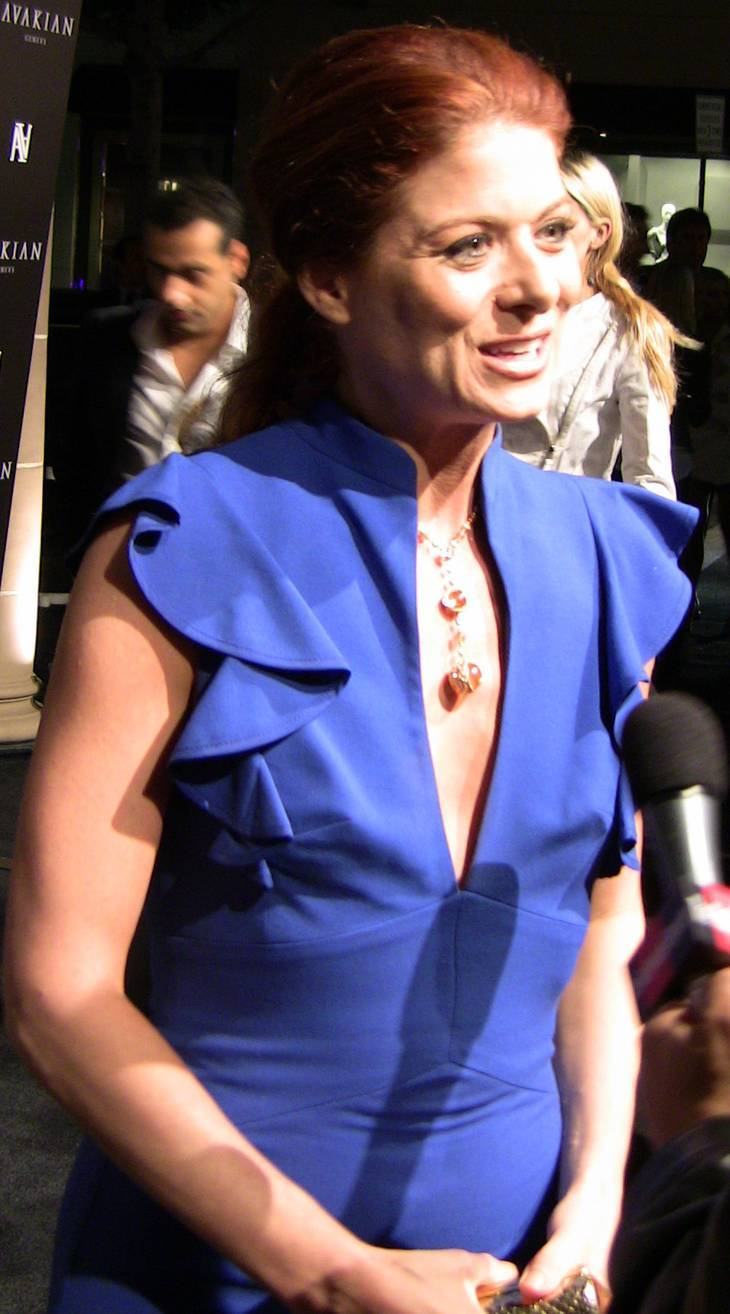 Debra Messing  nackt