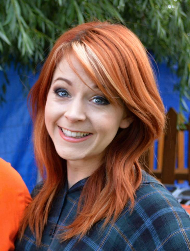Lindsey Stirling medidas | By Ravenhorn (Own work) [CC BY-SA 4.0 (https://creativecommons.org/licenses/by-sa/4.0)], via Wikimedia Commons